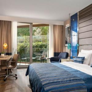 Crowne Hotel